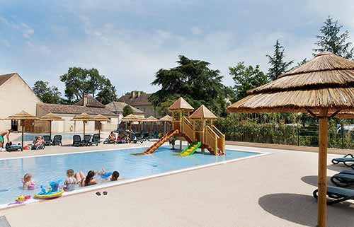 Play area in the swimming-pool - campsite in Burgundy