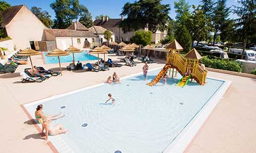 Carte Bourgogne Avec Camping.Campsite In Burgundy Chateau De L Eperviere With Swimming